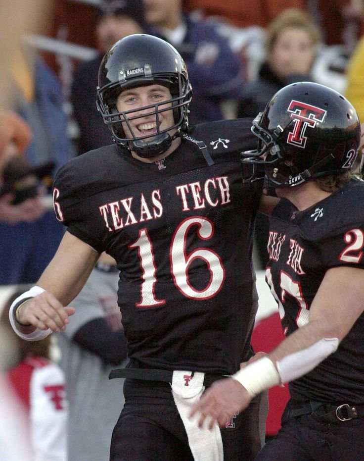 Kliff Kingsbury and Wes Welker at Texas Tech. Texas tech