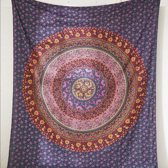 """Urban outfitters tapestry Gorgeous urban outfitters tapestry. Barely used. Didn't fit in with existing furniture like I had hoped.  - Length: 84"""" - Height: 100"""" Urban Outfitters Other"""