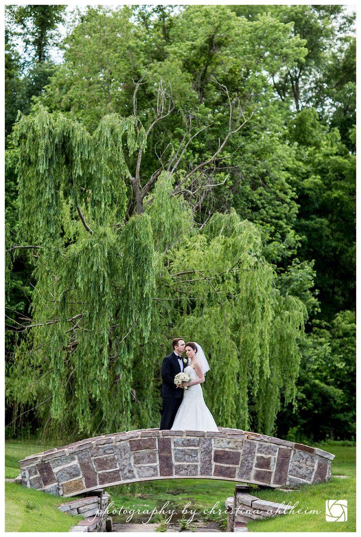 ©Christina Ahlheim | Charisma Photography | Forest Hills Country Club  | St. Louis Wedding Photographer #saintlouisweddingphotographer #stlouisweddingphotographer #stlweddingphotographer #stlweddings #foresthillscountryclub