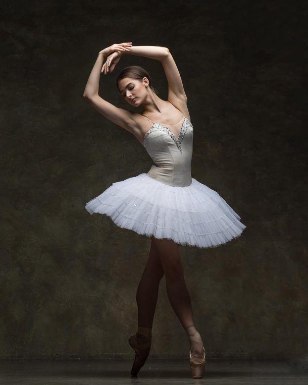 пикантность в позах балерин - 8