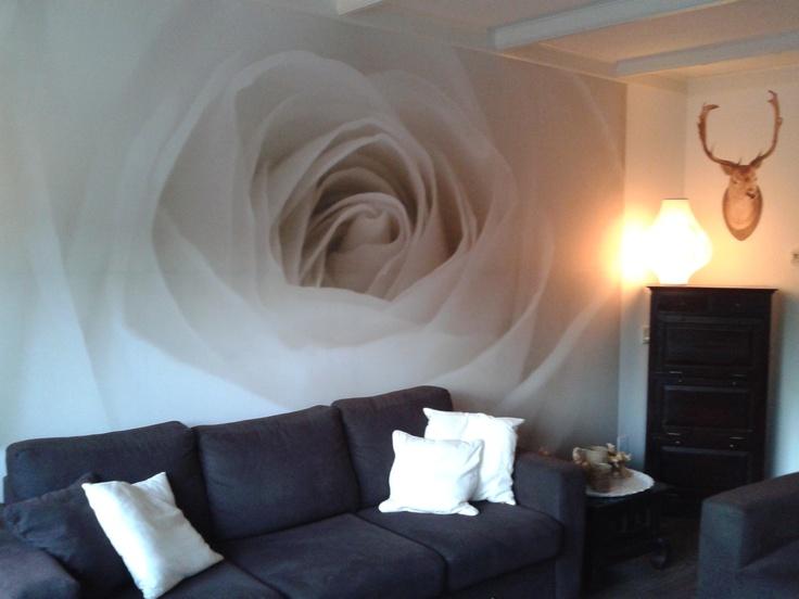 Fotobehang toegepast in een woonkamer.