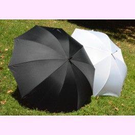 """Dúo de Paraguas """"Black and White"""", para #novia y #novio. Ideales para una #boda lluviosa. PVP: 39,95 €"""