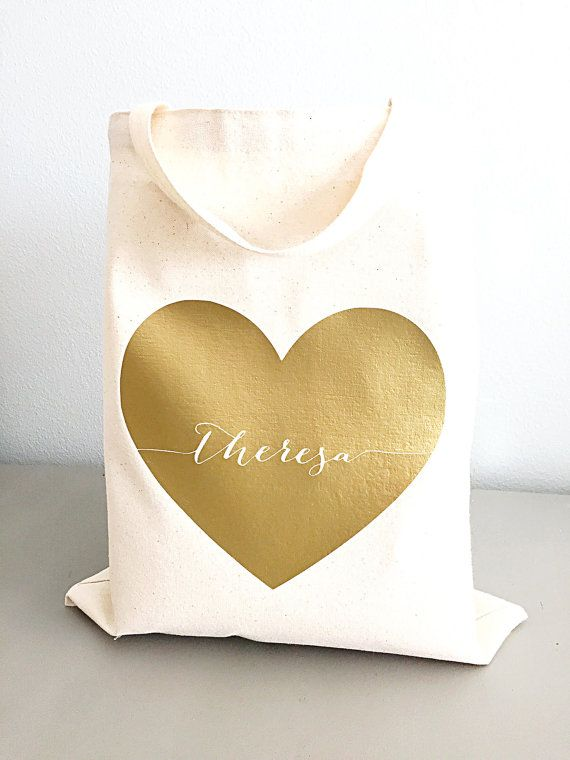 Bridesmaid tote bag- Large heart tote bag with name  What a great way to say thank you to the people that help make life special! Whether it be bridesmaids, teacher or your sweetheart, this elegant yet bold bag will be loved by all. Let them know how thankful you are to have them in your life! This listing is for ONE large heart custom tote bag. Please select your desired quantity and color from the drop down menu. Leave the NAME or ONE word message that you want on the tote in NOTE TO…