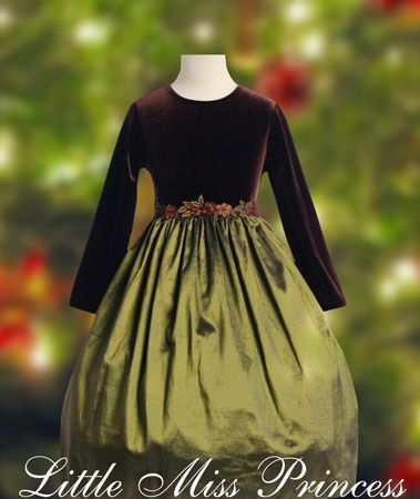 fca8bcf93 Little Girls Velvet Christmas Dress