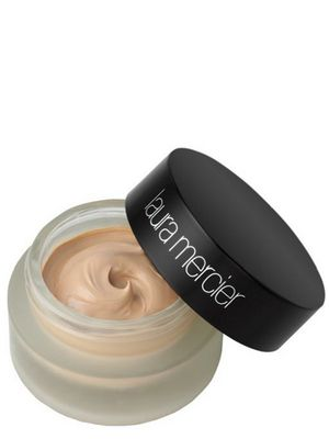 10 Best High End Foundations - Investing in pricy makeup isn't always easy, but it can make a big difference. See the 10 best high end foundations, that can help you achieve a flawless look.