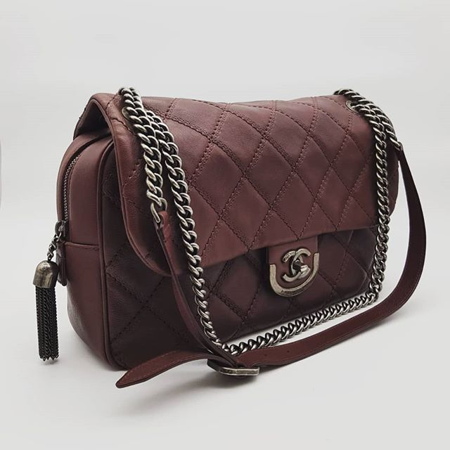 3600 Wire Preloved Chanel Coco Sporran Jumbo Flap Bag Aubergine Smooth Calf Ruthenium Hardware Serial Code Starting With 181 Comes With Flap Bag Bags Calves