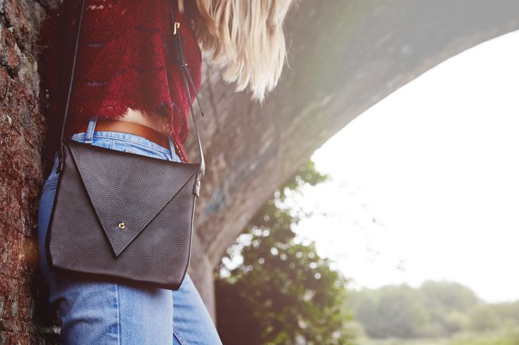 New to CARVLONDON on Etsy: Crossbody Leather Shoulder Bag - Drifter (90.00 GBP)