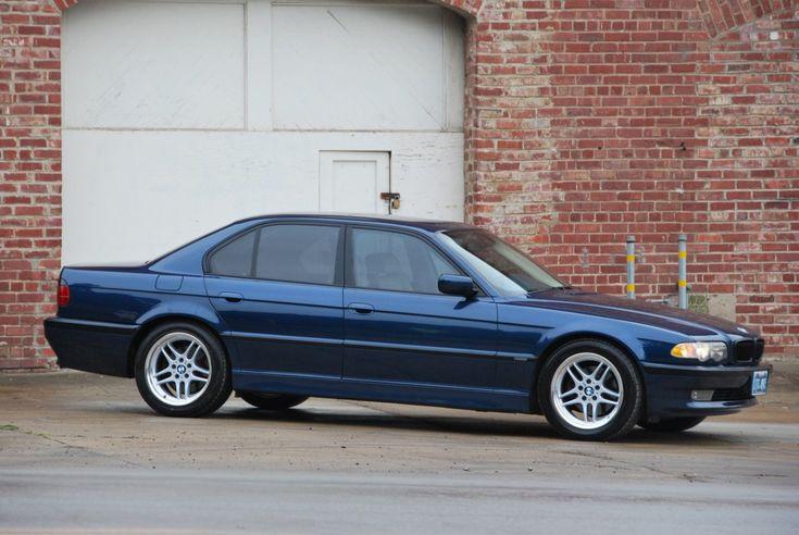 2001 BMW 740i (E38)