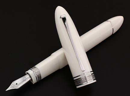 Omas 360 Fountain Pen - Iceberg (white)