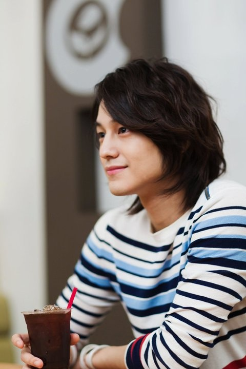 Kim Bum- Barista (love the hair & the sweater)