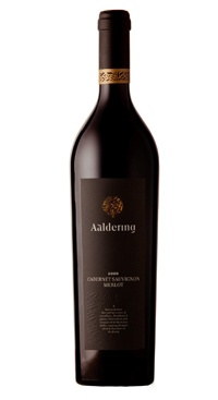 Aaldering Cabernet Sauvignon Merlot 2009: This deep garnet colored wine evokes thoughts of blackcurrant, strawberries and plums on the nose,whilst cigar box and pencil shavings also come to the fore. A sophisticated and full bodied palate is held together neatly by elegant tannins and dark chocolate spice.
