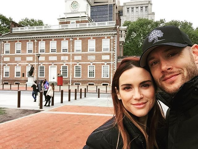 Pin for Later: It's Ridiculous How Hot Jensen Ackles and Danneel Harris Are Together  Jensen snapped a quick photo when they visited Independence Hall in Philadelphia in May 2016.