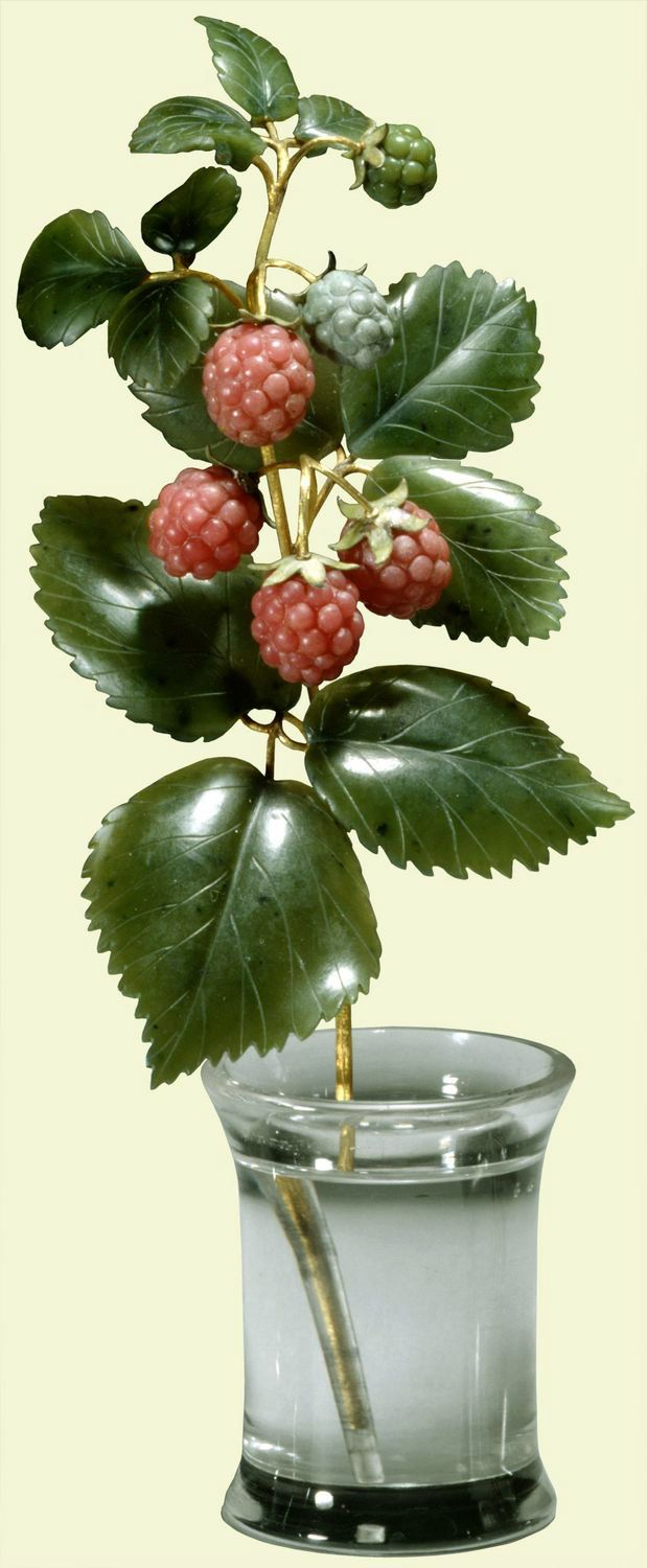 Fabergé raspberry, c. 1900. Rock crystal, gold, nephrite, rhodonite. Provenance: Probably acquired by Queen Alexandra; in the Royal Collection by 1953. One of two Fabergé raspberries in the Royal Collection. According to a note in an inventory of Queen Mary's Fabergé collection, dated 1949, a raspberry flower was given to Queen Victoria in 1894 by Lord Carrington (1843-1928), her Lord Chamberlain from 1892 to 1895.