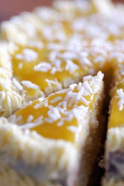Kokos-Limetten-Torte mit Mango-Buttercreme