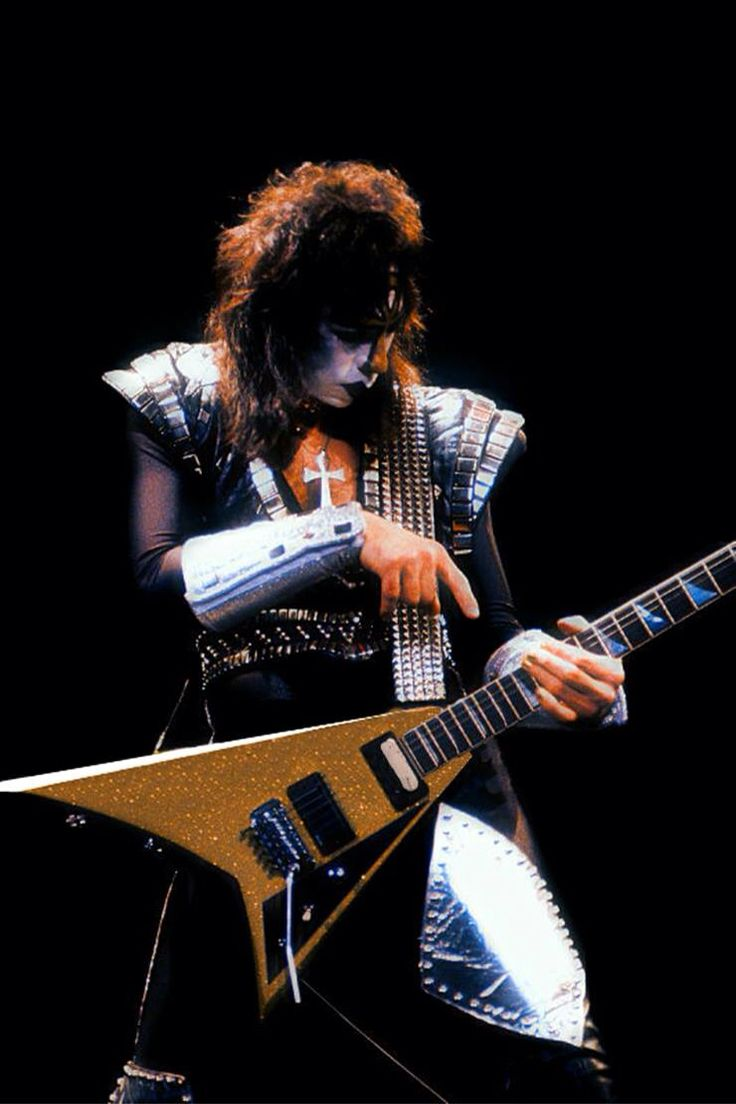vinnie vincent how tall