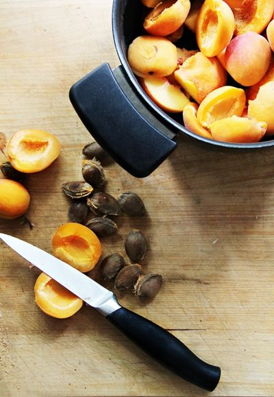 Kråks stuga - Inredning, trend, trädgård & torparliv.: Aprikos och persikomarmelad med chili.