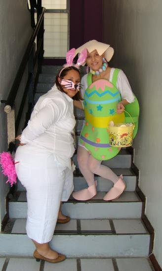 The bunny and the eggs....easy Easter costumes!