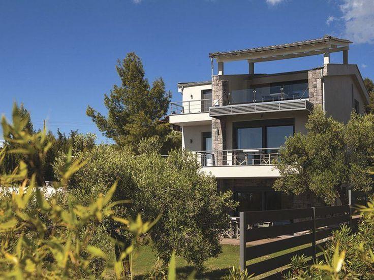 Недавно построенная вилла вблизи пляжа сдается в аренду. Аренда Халкидики для отдыха у пляжа, снять дом у моря Халкидики, снять квартиру Халкидики, Греция отдых, бронирование апартаменты, дом рядом у пляжа Порто Хели, вилла с собственным пляжем Порто