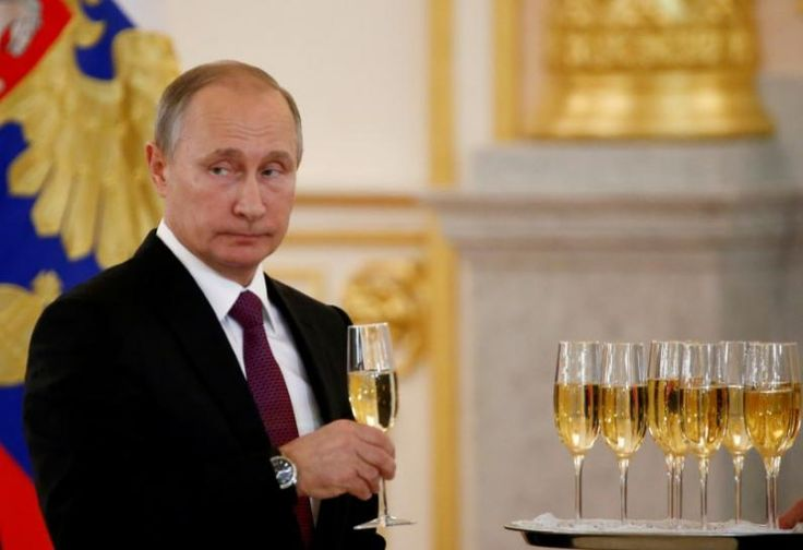Russia's Putin sees risk of budget deficit exceeding 3.7 percent of GDP
