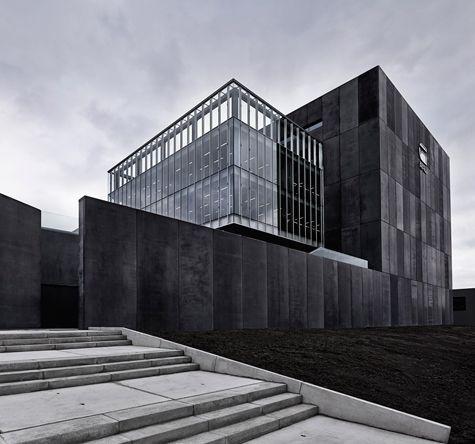 >Sami: OMA envisions G-Star RAW HQ in amsterdam as airport hangar http://www.designboom.com/architecture/oma-g-star-raw-headquarters-amsterdam-03-24-2014/gallery/image/oma-g-star-raw-headquarters-amsterdam-11/
