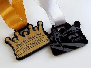 Pomysłowy i orginalny medal dwustronny dla biegaczy w krztałcie korny