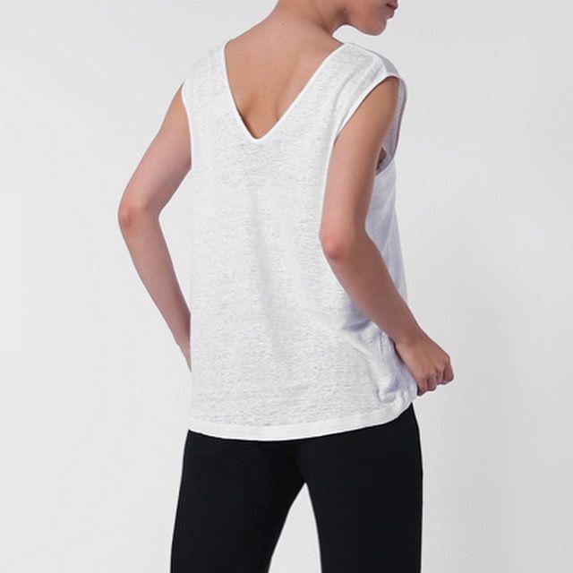 Top ANN LINEN made out of Organic Linen by fair fashion label JAN 'N JUNE.