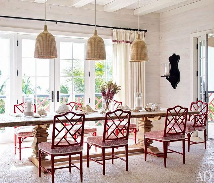 We think this red  white dining room from Elle Decor is worthy of a Canada Day celebration! Click to be inspired to decorate in our nation's signature hues with a roundup of spectacular red  white spaces.