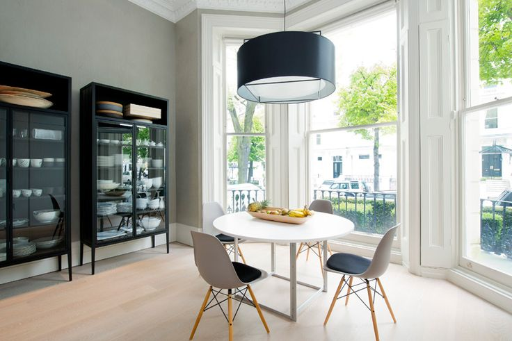 Great furniture, minimal and clean with classic detailing - desire to inspire - Holland Park
