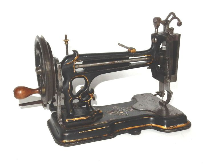 1100 best images about vintage or antique sewing machines for Machine a coudre 69