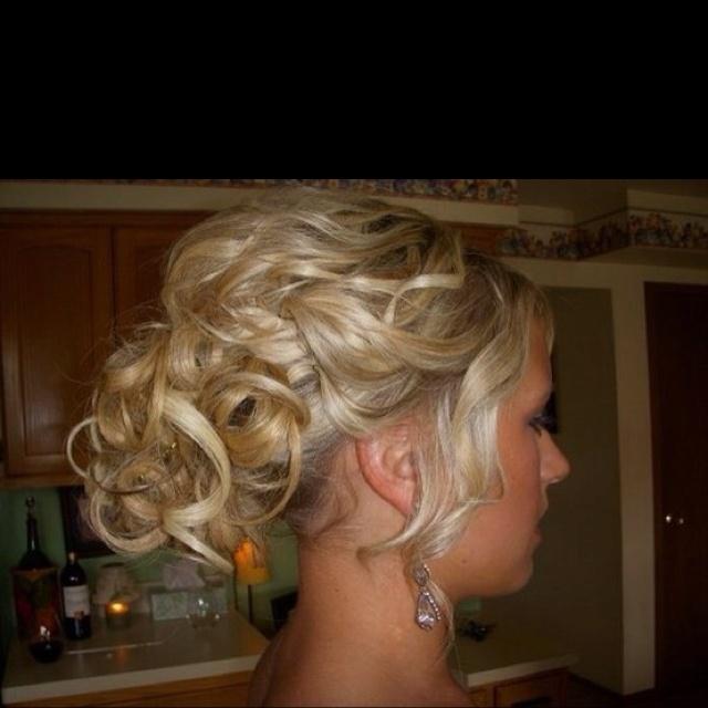 Prom hairHair Down, Hair Ideas, Up Dos, Bridesmaid Hair, Wedding Updo, Prom Hair, Wedding Hairs, Oakley Sunglasses, Wedding Hair Style