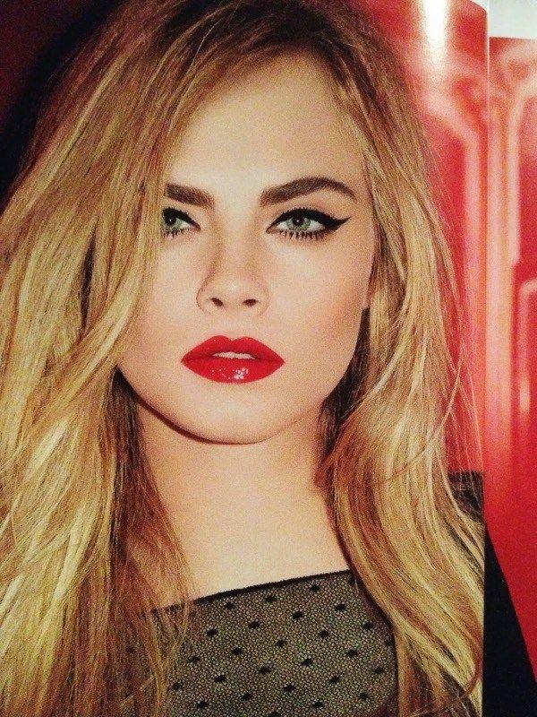 ClioMakeUp-trucco-capodanno-2016-occhi-labbra-glitter-rossetto-rosso-ciglia-cara-delevingne