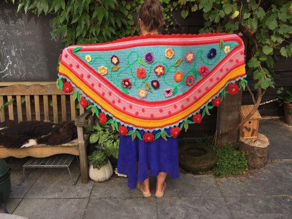 Prachtig gehaakt omslagdoek / stola / sjaal. Rijk versierd met bloemen en stippen/ Polkadots Een ware eyeatcher voor je garderobe. Boho ibiza gipsy. Maten: 1,70 bij 70 cm Ik ben ook te vinden op etsy: pollevie En op instagram: pollevie  Beautifully crocheted shawl / shawl / scarf. Richly decorated with flowers and dots / Polka Dots A true eyeatcher for your wardrobe. Boho ibiza gipsy . Sizes: 1.70 at 70 cm You can also find me on etsy: pollevie And on instagram: pollevie.