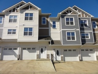 180 RIVERSTONE RIDGE Unit# 60, FORT MCMURRAY, Alberta - Royal LePage True North Realty