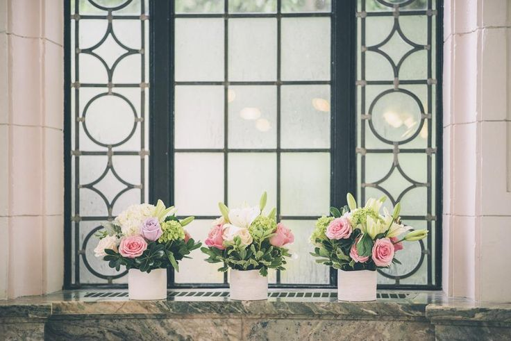 Bridal bouquets in Casa Loma #casaloma #toronto #weddings #weddingplanning #weddingdecor