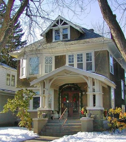 """""""Frank Loyd Wright foursquare/prairie  home. This foursquare home has elaborate craftsman stick work around the porch."""" <-- what ever it is i like it, and i think will be inspiration for the new house."""