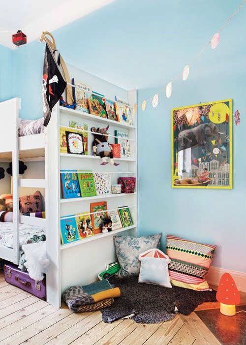 Seriously cool bedroom | 10 Super Snuggly Reading Nooks Part 3 - Tinyme Blog