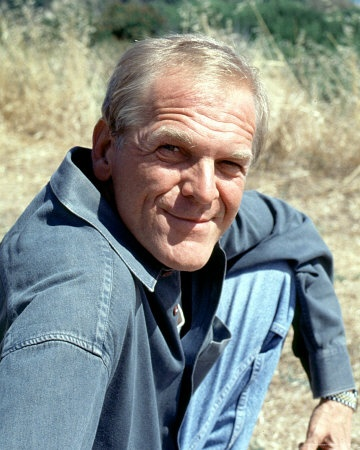 John Spencer (Leo McGarry from the West Wing) He had such a wonderful smile!