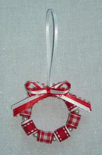 Crafter without a Cat: ornaments Little spools painted white, red ribbons and pearls