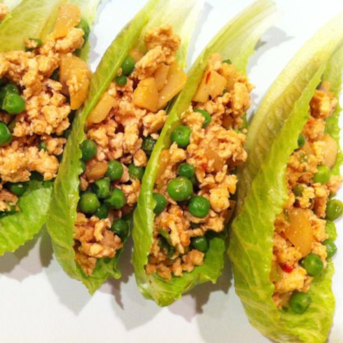Sweet and savory chicken lettuce wraps // great health food blog