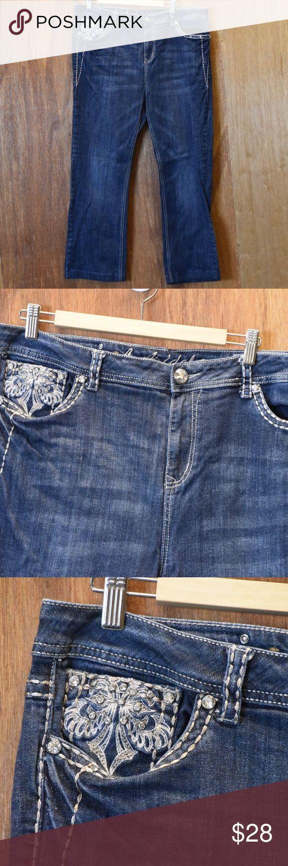 Women's LA IDOL Bling Jeans Junior size 19 LA Idol Jeans, embellished front pocket and rear pockets. LA Idol Jeans Boot Cut
