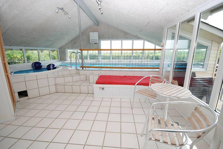 Schickes Last Minute Poolhaus ab Samstag! http://www.danwest.de/ferienhaus/3519/ferienhaus-panoramaaussicht-fjord #Dänemark #Poolhaus #Urlaub #Nordsee