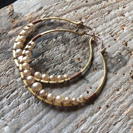 Wire Wrap hoepel oorbellen parel oorbellen grote hoepel oorbellen rustieke sieraden Daniellerosebean grote hoepels