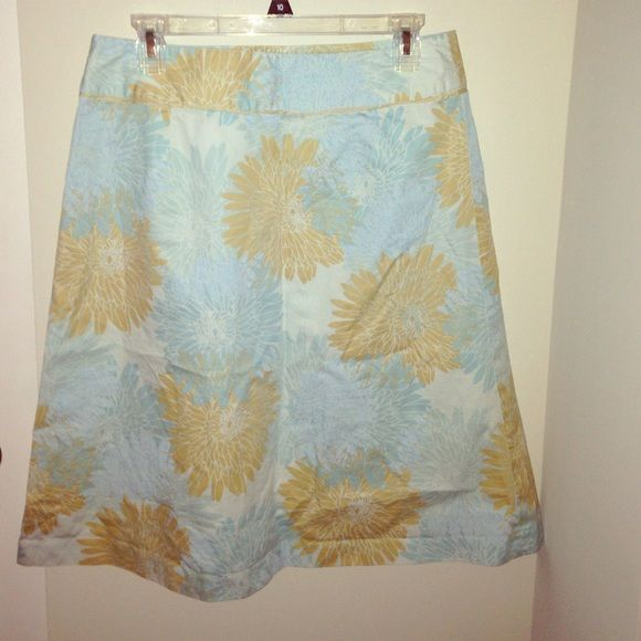 sale Banana republic skirt Cute print from banana republic! Banana Republic Skirts