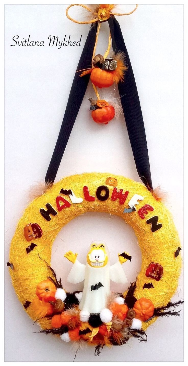 1000 id es sur le th me couronnes de porte d 39 entr e sur for Decoration porte d entree halloween