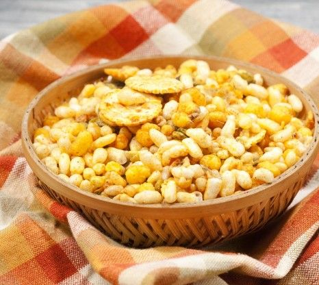 Roasted diet snacks have low fat, calorie content and high protein and fibre content. BrownTree Bhel Mx is a delectable mixture of rice puff...