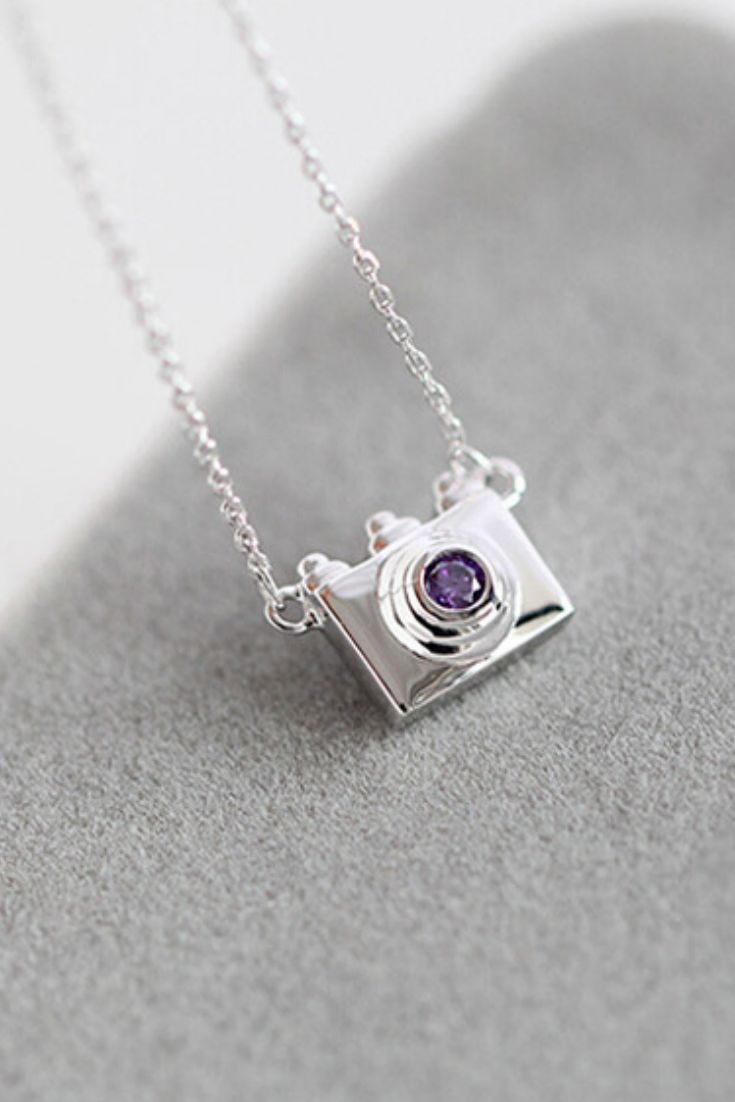 Are you a photographer? Love photography? Then this necklace is perfect for you! An elegant accessory, this dainty camera necklace has a high polished finish for an eye-catching shine. - 2016 New Vers                                                                                                                                                      More