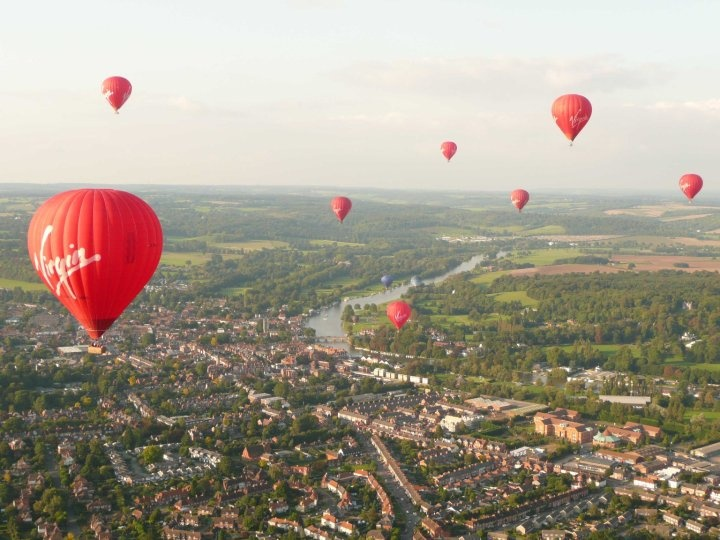 A sky filled with red at Henley Balloon Meet (2009)
