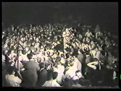 La Era del Ñandú - Carlos Sorín - YouTube