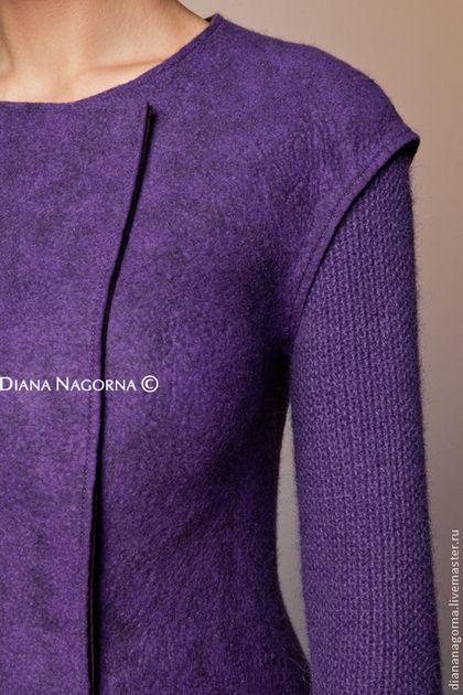 Купить или заказать Пальто из мериносовой шерсти 'Lilac ' в интернет-магазине на Ярмарке Мастеров. Пальто из новой коллекции ' my Blue Shade ' Лёгкое и теплое пальто , выполнено в технике горячего валяния из итальянской мериносовой шерсти двух оттенков. Ручная работа. Рукава связаны вручную из шерсти альпаки . Пальто застёгивается на красивые потайные кнопки. Классический элегантный силуэт.