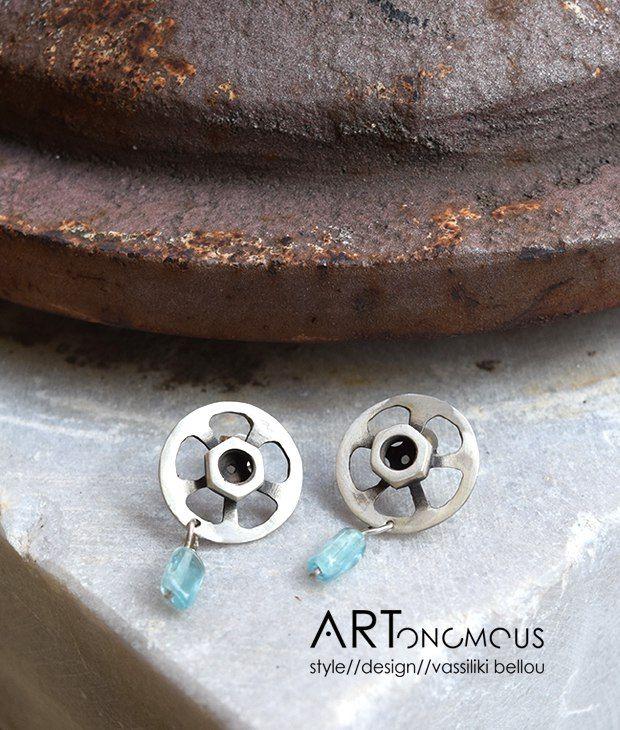 Ασημένια σκουλαρίκια από την Αναστασία Δεδονάκη
